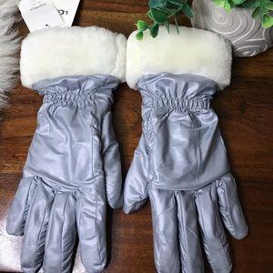 Ugg🍁🍂gray gloves waterproof touchscreen sz S/M